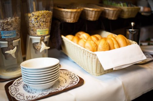 Frühstücksbuffet und Restaurant